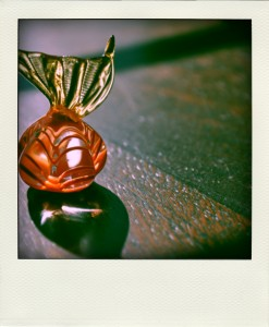 orange candy-pola
